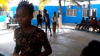 Os Brinca No Colégio Mártires do Nganda