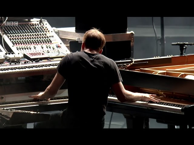 Video en directo de Nils Frahm - BBC Proms 2015 - A Winged Victory for the Sullen
