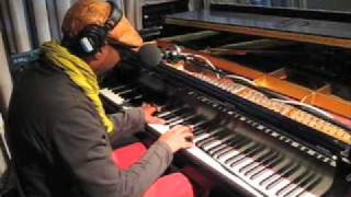 "Omar Sosa and Tim Eriksen ""Promised Land"" Live on Soundcheck"