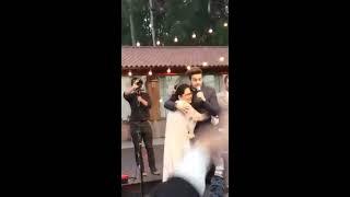 "Luan Santana cantando ""Chuva de Arroz""  no casamento."
