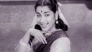Saiyan Lag Ja Gale, Lata Mangeshkar, Jamuna - Miss Mary Song