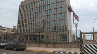 EEUU retira a la mayoría de su personal de Cuba y suspende emisión de visados