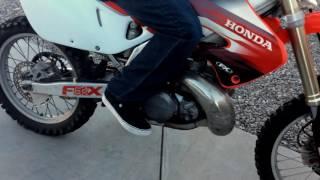 99 Honda Cr 250 2 Stroke Dirtbike Multiple Sound Tests !! LISTEN  !!!!!