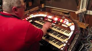 """Kurtis Knight plays""""Yakety Sax"""" , theatre organ!"""