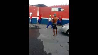 Disso Santos Dancando bumbum de granada
