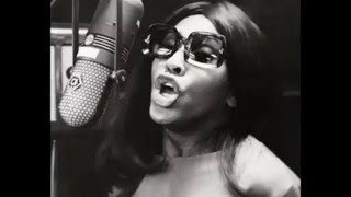 Tina Turner - River Deep, Mountain High (1966 Phil Spector version)