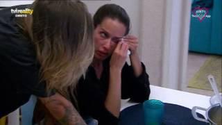 Érica chora com saudades
