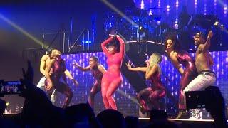 Nicki Minaj - Pound the Alarm (Live) @ Paris (26.03.2015) HD