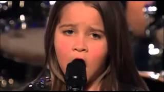 Menina de 6 anos cantando Black Metal