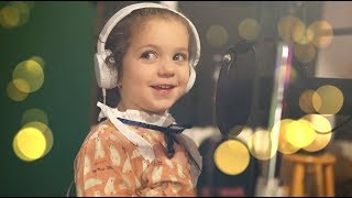 5 year old Sophie Fatu - Fly Me To The Moon (Frank Sinatra)
