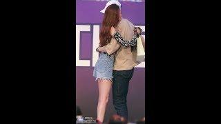 180525 선미와 포옹하는 남자는 누구?(Who is the man hugging SUNMI?) 직캠/fancam @ 경북대 축제 by hoyasama