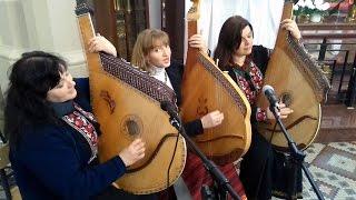 Barka pieśń w wykonaniu Trio bandurystek z Ukrainy