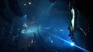 Shawn Mendes Live at Centre Bell Montreal 2017 - There's Nothing Holdin Me Back