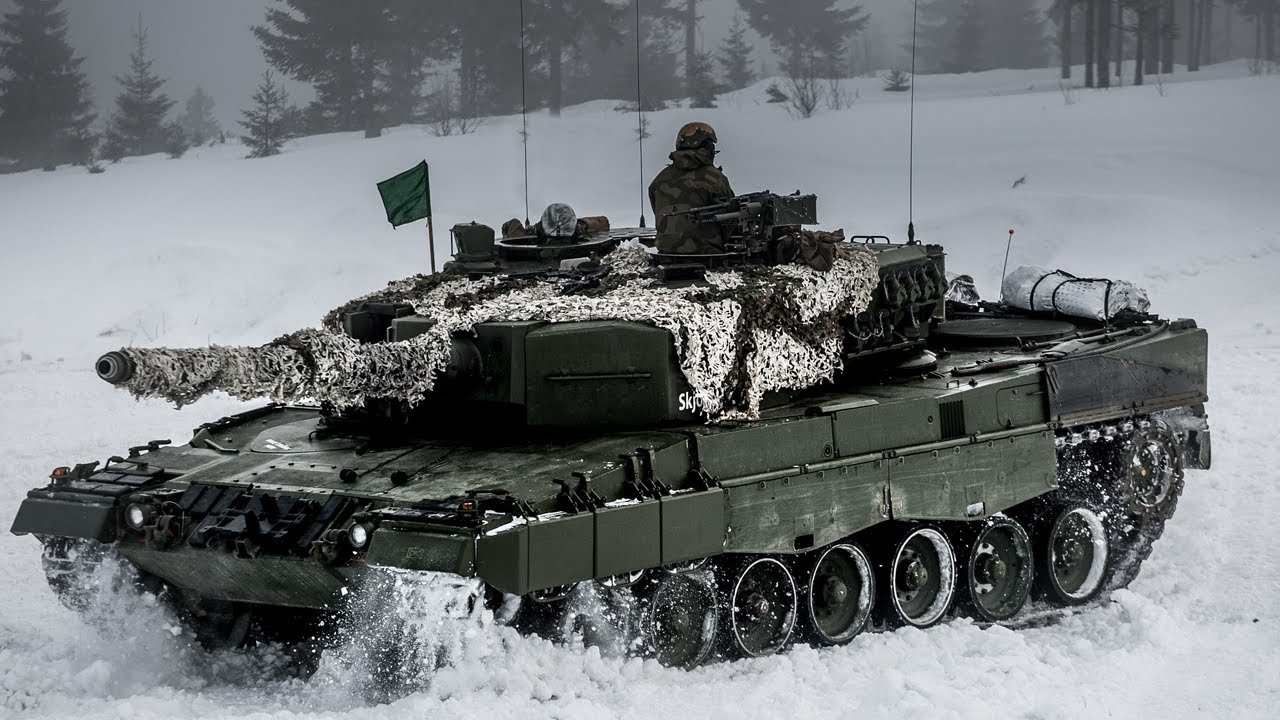 Follow Leopard Main Battle Tanks from to the Norwegian Telemark Battalion on Exercise