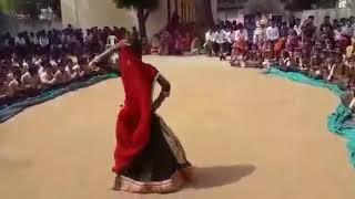 School ki bachi ka Bhut hi sundar dance