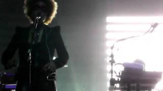 Massive Attack - ? (ft Martina) @ the Warfield