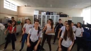 """Ensaio da apresentação """"We are one"""" - Festa da Primavera 2016 Colégio Claudino"""