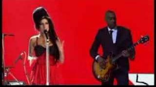 "Amy Winehouse ""Rehab (live)"""