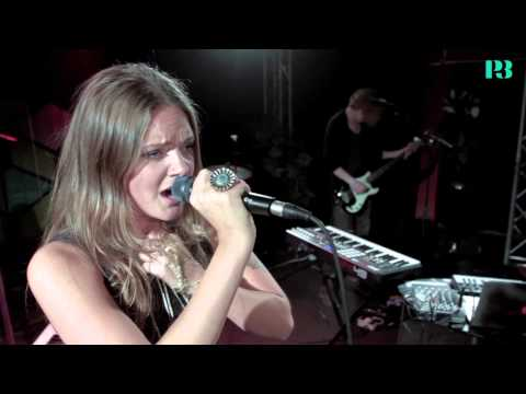 tove-lo-habits-live-i-musikguiden-p3-session-tovelomusic