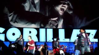 16.11.10 Gorillaz O2 Arena London -  Feel Good Inc. feat De La Soul