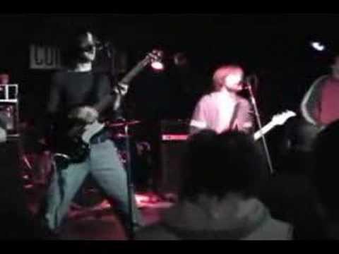 Times de Flashlight Brown Letra y Video