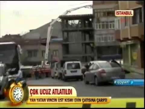 İstanbul'da Yan Yatan Bir Vincin Üst Kısmı Bir Evin Çatısına Çarptı