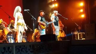 Opetaia Foa'i and Olivia Foa'i of Te Vaka Performing We Know the Way from MOANA