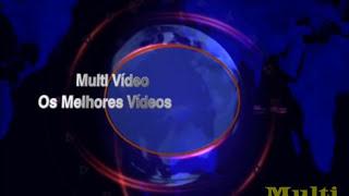 Multi Vídeo - Gostosa Dançando na Piscina
