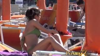 Milica Pavlovic seksi sinjorita na plazi - Paparazzo lov - (Tv Pink)