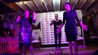 Azúcar Moreno - Sólo se vive una vez (Directo/Bolo) en Villa Molero