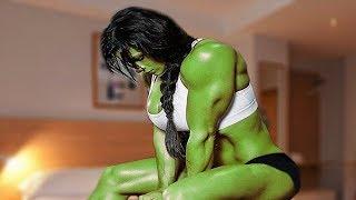 She Hulk & Hulk width=