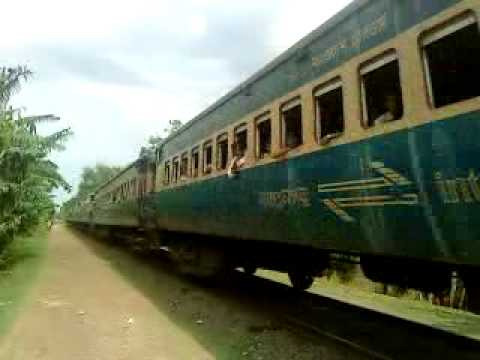 Bangladesh Railway Modhumoti Intercity Train running place video.mp4