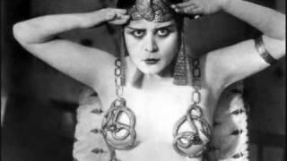 Jayne county Rock N Roll Cleopatra.