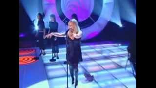 Emma Bunton - I'll Be There (Live @ TOTP 09-01-2004 Introduced By Victoria)