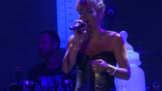 Lily Allen- Somewhere only we know Live @Les Déferlantes 2014