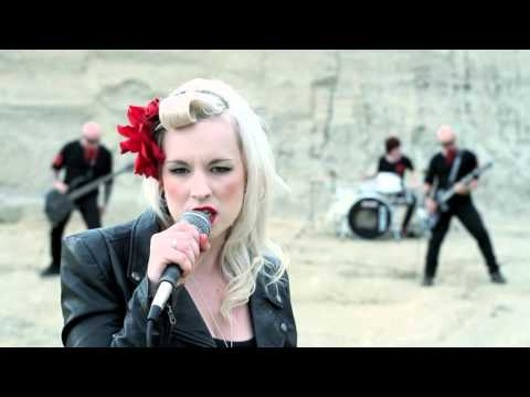 devilskin-little-pills-official-video-rodeostartv