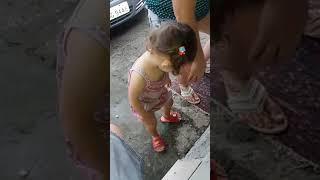 Minha irma de 2 anos dançando funk