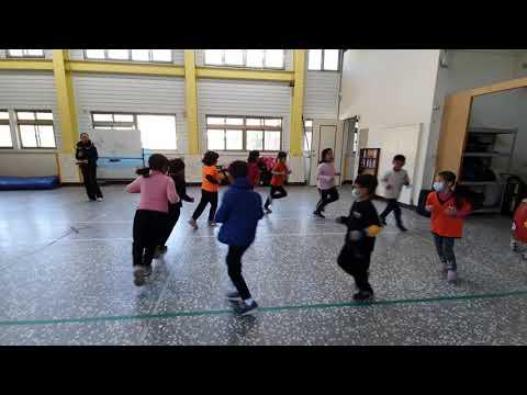 20211113何老師舞蹈2 - YouTube