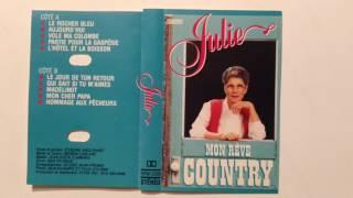 Le Rocher Bleu -- Julie