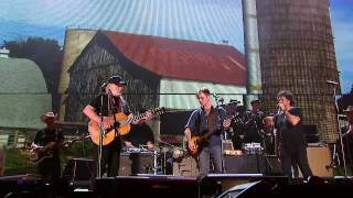 Willie Nelson - Whiskey River (Live at Farm Aid 2014)