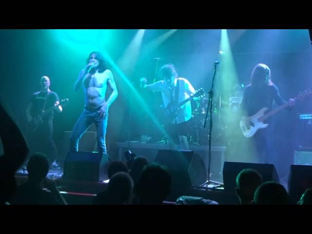 Vídeo de un concierto en la sala Óxido.