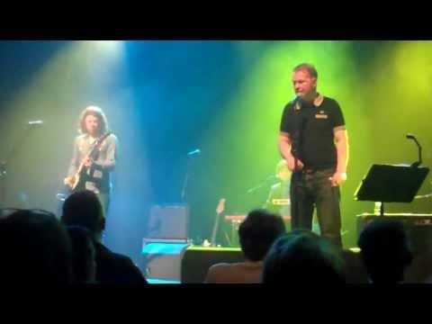 edwyn-collins-girl-like-you-live-18-april-2013-glasgow-hd-jonathan-millar
