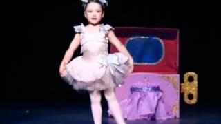 A bailarina e a caixinha de música