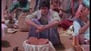 Saudagar - 11/13 - Bollywood Movie - Nutan, Amitabh Bachchan & Padma Khanna width=