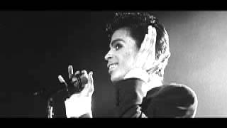 Prince-RIP-Kiss-hommage