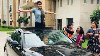 Akshi Dutta ki Jaguar car ne machi Dhoom 24 साल की अक्षय दत्त ने modicare se leli jaguar car