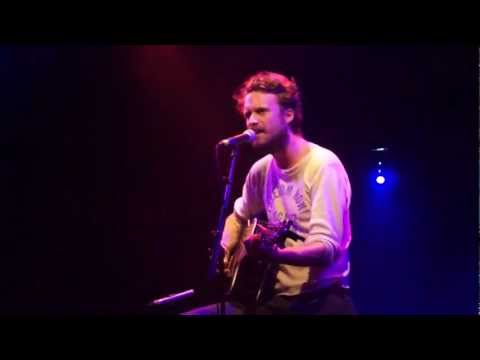 father-john-misty-laid-back-country-picker-cover-live-la-fleche-dor-paris-june-8th-12-my-live-music-diary-by-anne-laure