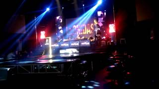 Leonidas - Beauty And The Beat (Justin Bieber Cover) Live At Boshe VVIP Club Yogyakarta