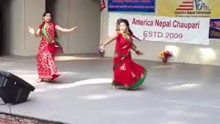 भोजपुरि गाने पर नेपालि लडकी लगाइ ठुमका