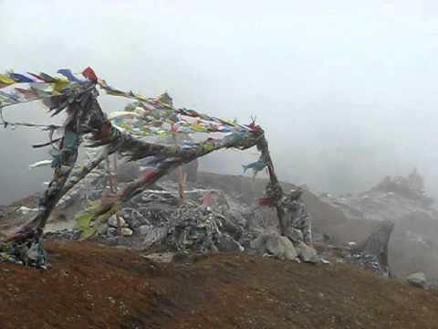 10 10 11 Nepal Machherma prayer flags c MVI 8733